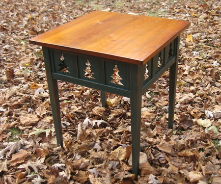 2 Pinetree Side Table